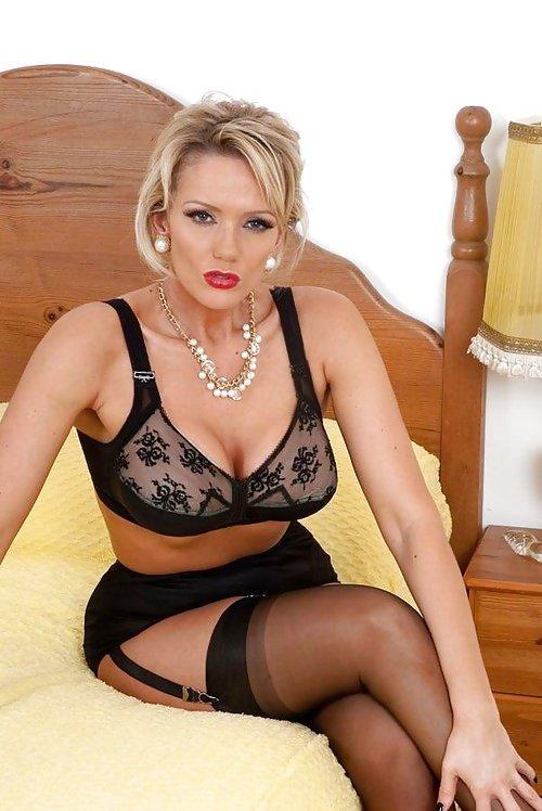 Mature women lingerie vids — photo 6