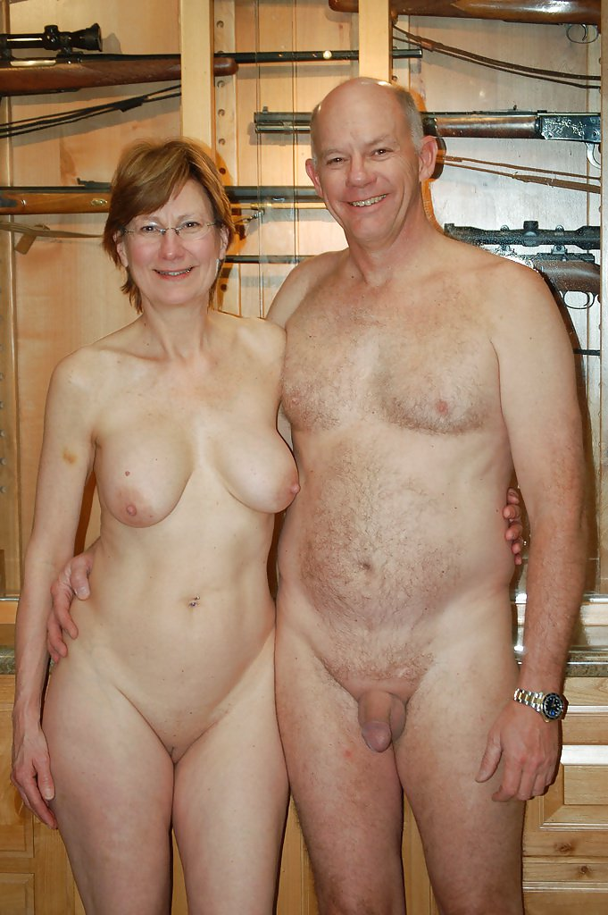 Excellent Amateur naked couples pose